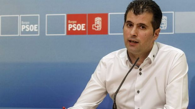 Luis-Tudanca-PSOE-Castilla-Leon_TINIMA20141005_0003_5